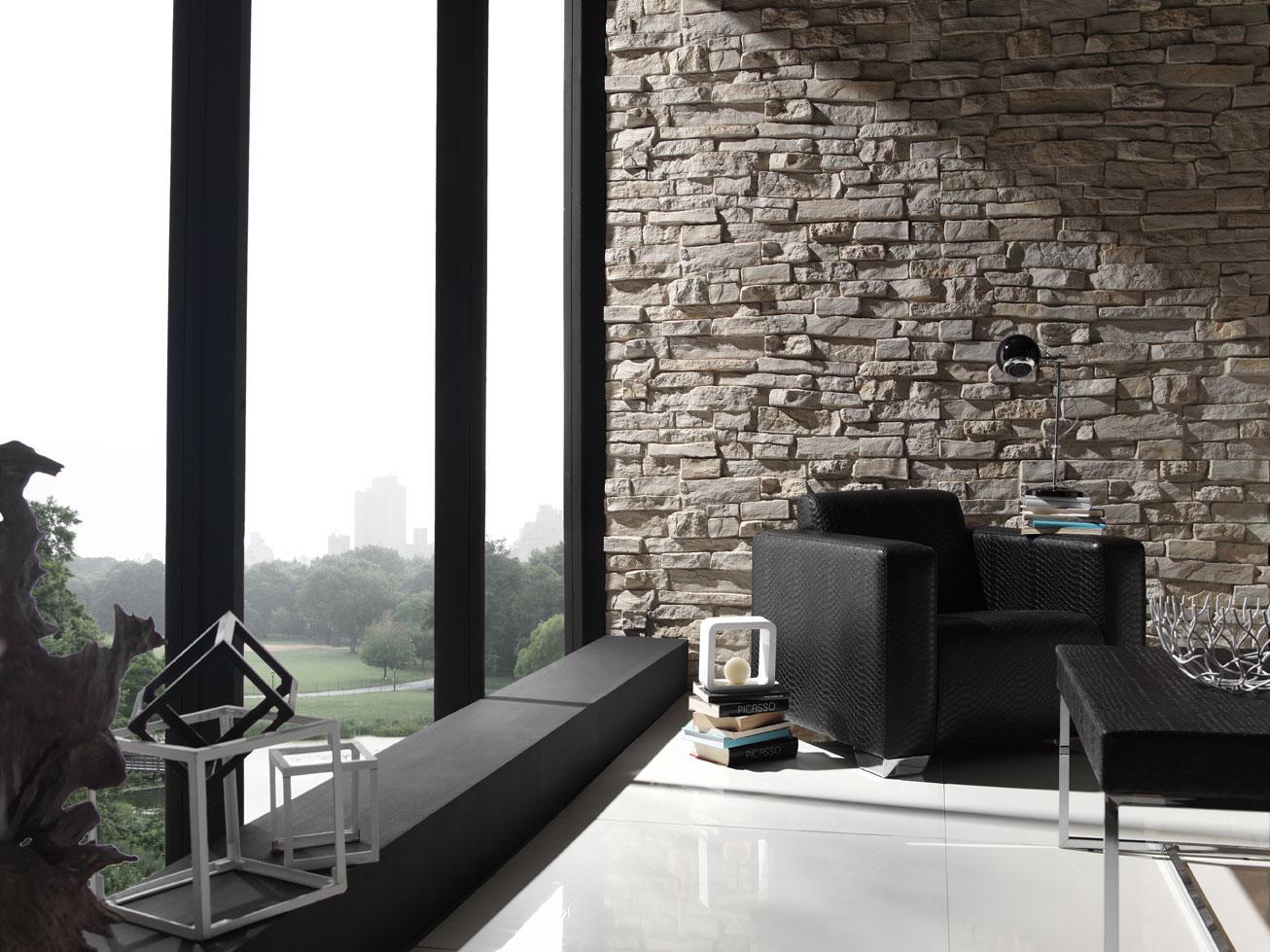 Offen Gestaltete Räume Mit Grossen Fensterflächen Sind Besonders Geeignet  Für Dekorative Wandverkleidungen.